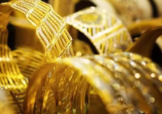 黄金微幅上涨白银突破6.8万 了解今天的现货价格