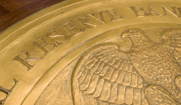 美联储维持鸽派基调 金价升至两周高位