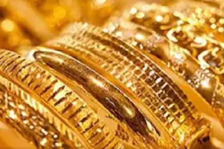 今天的黄金价格连续第二天下跌从历史高位下跌超过8200卢比