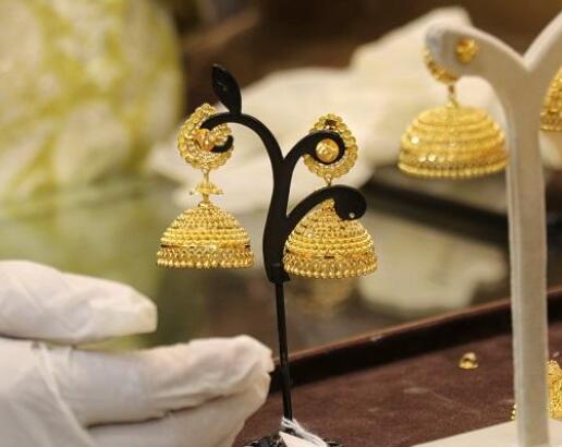 今天的黄金价格为每10克46960卢比 白银价格为每公斤67600卢比