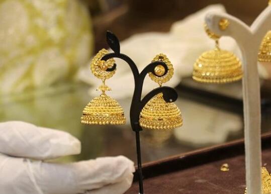 今天的黄金价格为每10克47380卢比 白银的售价为每公斤63000卢比