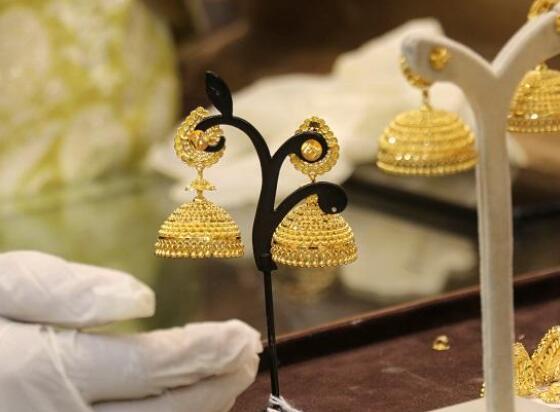今天的黄金价格为每10克47280卢比 白银的售价为每公斤63500卢比