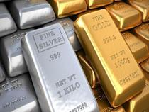 今日黄金价格 黄色金属持平银色边缘较低
