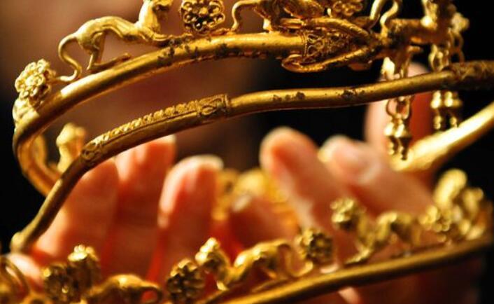黄金持有在1800美元以下 遭受了连续的损失