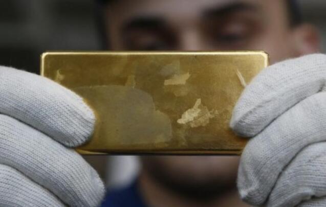 由于坚挺的美元影响了吸引力 黄金在两周低点附近徘徊