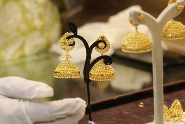 今天的黄金价格为每10克47000卢比 白银的售价为每公斤63900卢比