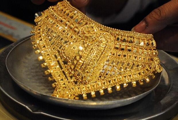 由于买家忽视价格下跌 印度珠宝商关注节日气氛