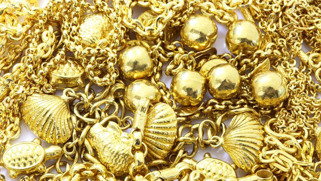欧洲开盘前黄金和白银交易走高