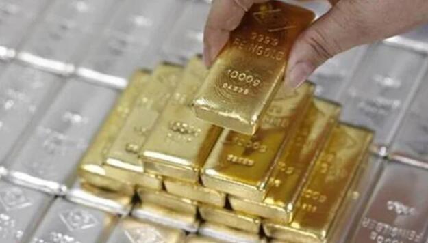 黄金因卢比贬值而大放异彩