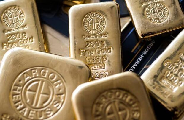 由于美国收益率因加息押注而上涨 黄金下跌超过1%