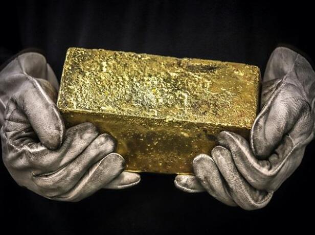 今天黄金价格为每10克46040卢比 白银售价为每公斤60100卢比