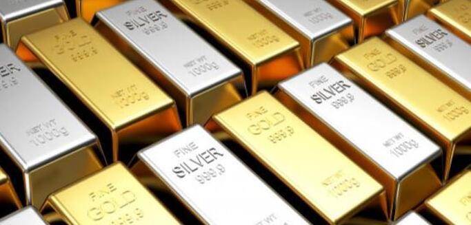 黄色金属创纪录下跌 白银在MCX上交易走高