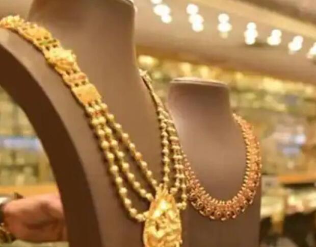 今日黄金利率:24克拉黄金价格没有上涨 白银价格也有所下降